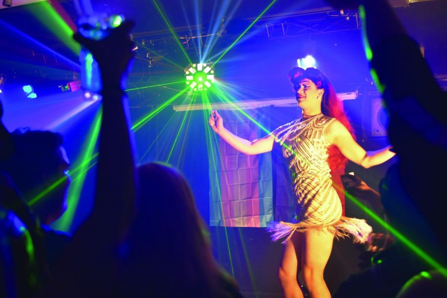 Lucille+S.+Balls+dances+for+the+crowd+during+Dam+Right+Dance+Night.+Balls+is+a+local+queen+in+Corvallis.%C2%A0