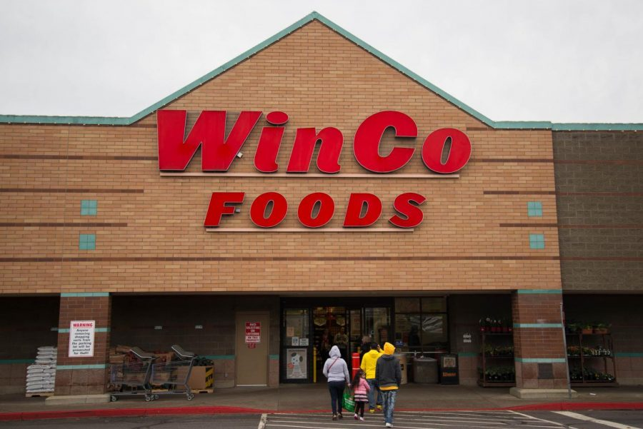WinCo+Foods+is+located+on+the+corner+of+Walnut+Blvd.+and+Kings+Blvd.+and+open+24+hours.