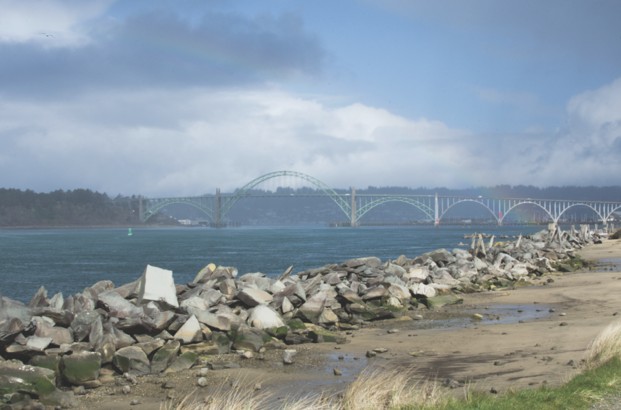 Yaquina+Bay+Bridge+from+the+south+Jetty+in+Newport%2C+Ore.