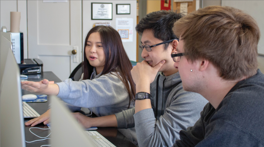 TRiO+peer+mentor+Phuong+Uyen+Nguyen%2C+and+TRiO+peer+tutors+Michael+Siddel+and+Phuong+Hentry+Nguyen+study+at+TRiO+Student+Support+Services%2C+located+on+the+third+floor+of+Waldo+Hall.+TRiO+SSS+features+computers+students+can+utilize+for+academic+projects+and+activities