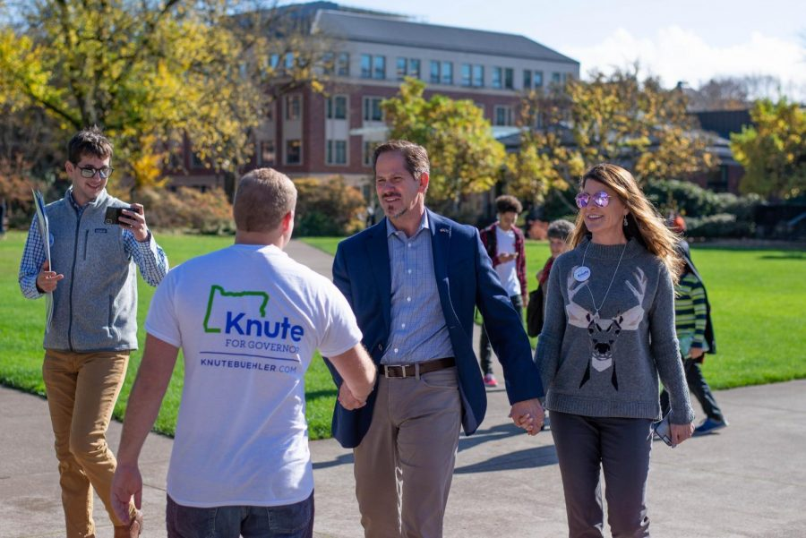 Oregon+Republican+candidate+for+governor+Knute+Buehler+shakes+hands+with+Peter+Halajian%2C+the+president+of+OSU+College+Republicans%2C+during+a+campaign+stop+Friday.