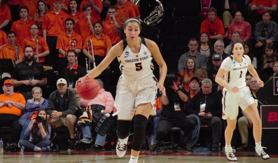 OSU+sophomore+forward+Taya+Corosdale+dribbles+the+ball+down+court+against+Boise+State+on+Saturday%2C+March+23.+Corosdale+scored+12+points+against+the+Gonzaga+Bulldogs+on+Monday+evening%2C+helping+the+Beavers+advance+to+their+fourth+Sweet-16+appearance+in+a+row.%C2%A0