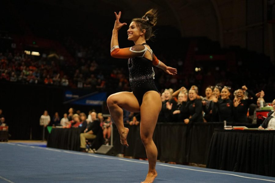 OSU+sophomore+gymnast+Kaitlyn+Yanish+performs+her+floor+routine+at+the+end+of+the+NCAA+Corvallis+Regional+meet.+Yanish+scored+9.900+on+the+floor%2C+while+also+tallying+a+9.825+on+the+vault.