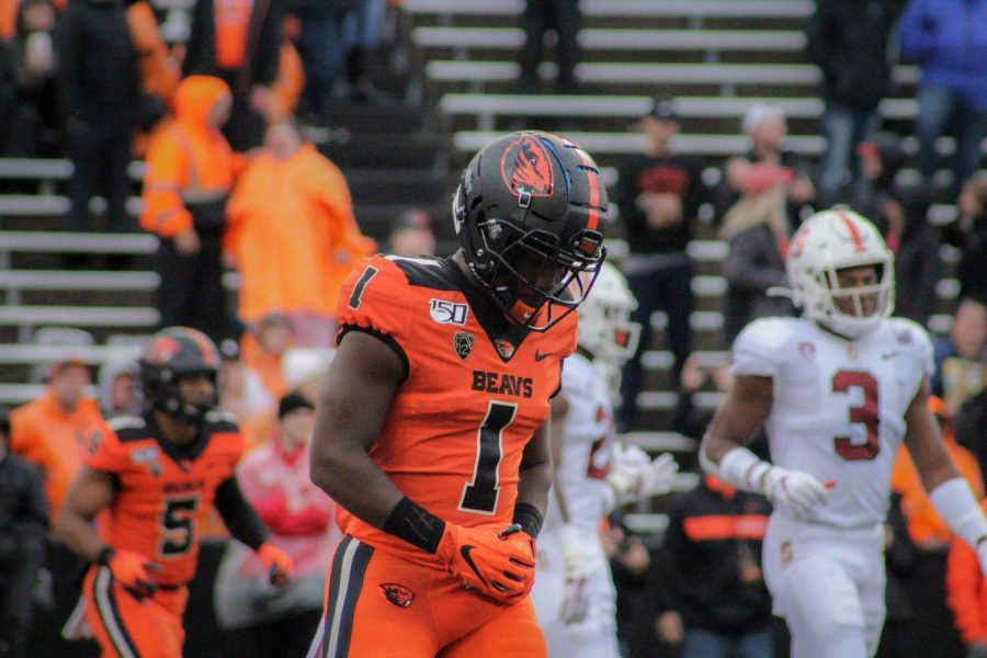 Oregon+State+Football+redshirt+sophomore+wide+receiver+Tyjon+Lindsey+stands+after+a+play+versus+Stanford+on+Saturday%2C+Sept.+28+in+Reser+Stadium.%C2%A0