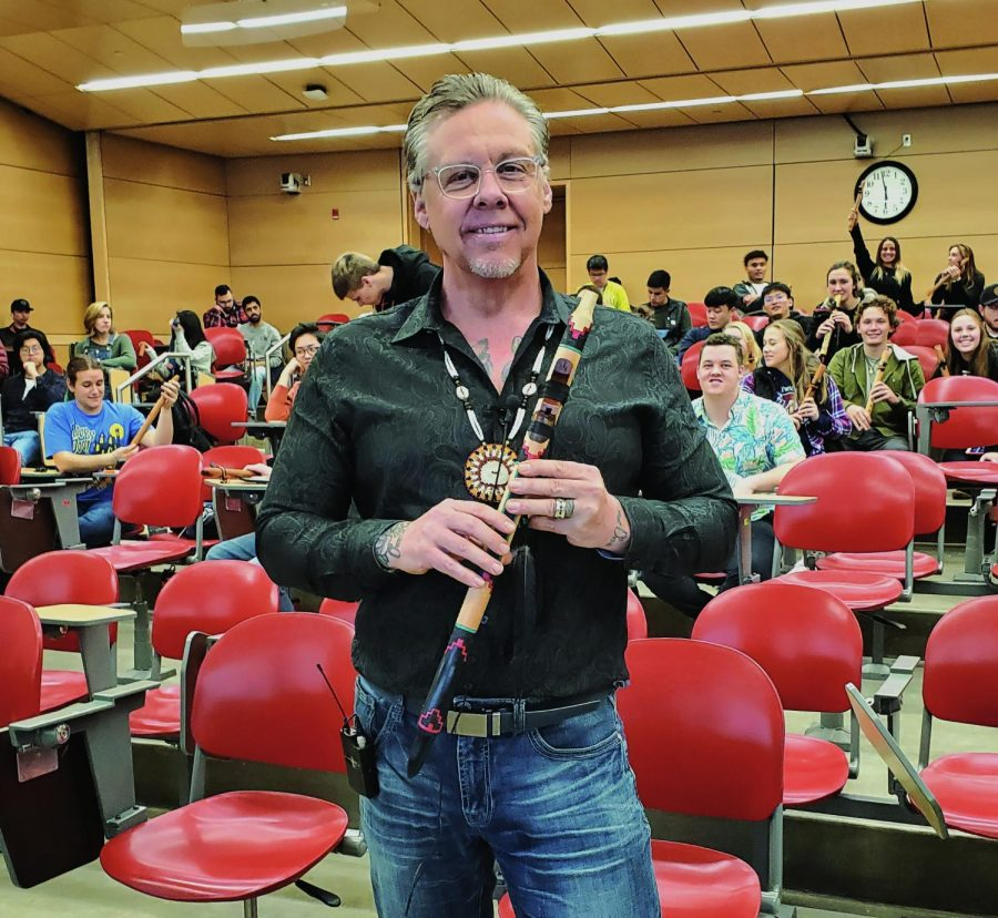 World-renowned+flute+player%2C+Jan+Reibach%2C+has+garnered+dozens+of+awards%2C+as+well+as+a+top+10+ranking+in+the+global+new+age+charts.