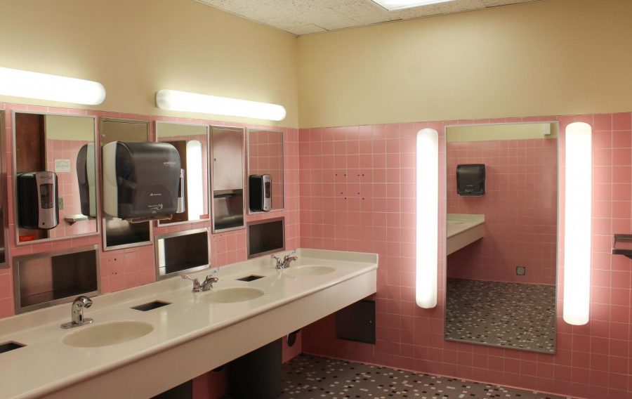 The+womens+bathroom+on+the+first+floor+of+the+Memorial+Union+has+pink+tiling%2C+making+it+an+optimal+selfie+spot%2C+according+to+some+Oregon+State+University+students.%C2%A0