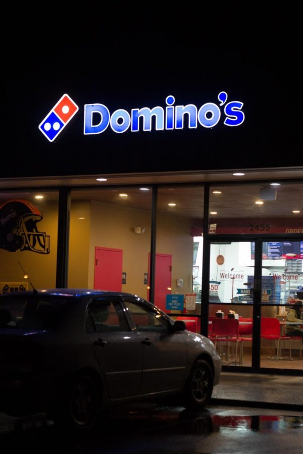 Dominos%2C+located+on+Monroe+Avenue%2C+is+open+until+2%3A00+a.m.+on+weekdays+and+until+3%3A00+a.m.+on+Fridays+and+Saturdays.%C2%A0