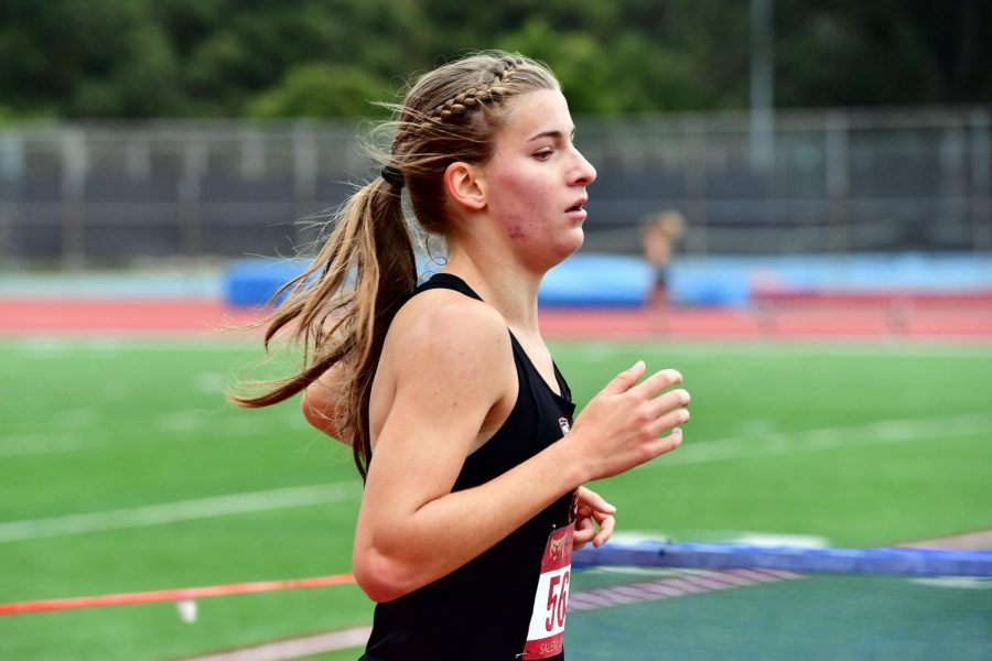 OSU+Track+and+Field+athlete+Rebecca+Ledsham+runs+in+a+race+while+representing+the+Beavers+in+the+2019-20+season.%C2%A0