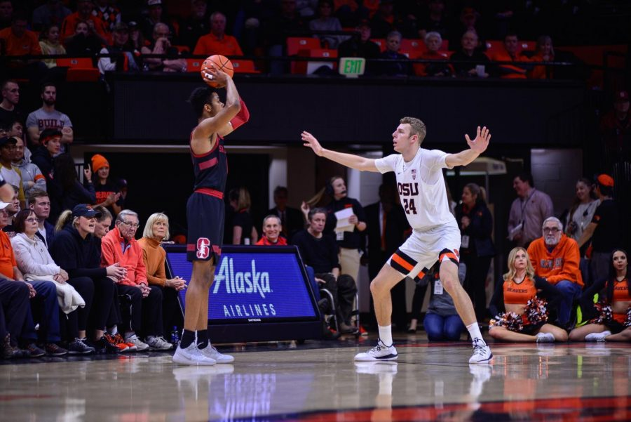 OSU+forward+Kylor+Kelley+attempts+to+defend+against+a+Stanford+offensive+play+in+Gill+Coliseum+on+Feb.+3%2C+2019.+Kelley+became+OSU%E2%80%99s+leading+career+blocker+while+facing+off+against+the+Stanford+Cardinal+in+California+on+Jan.+30%2C+2020.