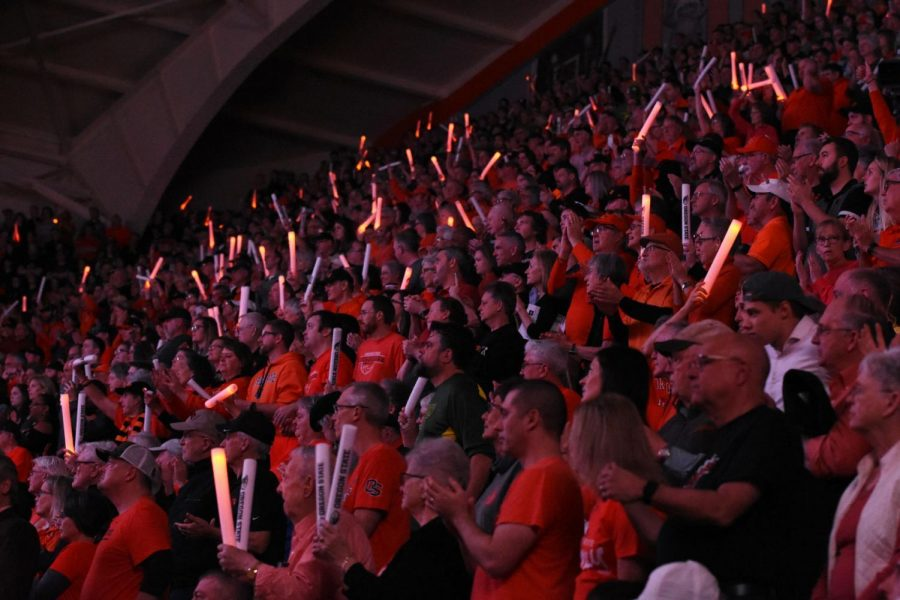 Fans+support+the+OSU+Women%E2%80%99s+Basketball+team+in+their+home+Civil+War+matchup+versus+Oregon+on+Jan.+26.+Gill+Coliseum+hosted+over+9%2C000+fans+for+the+game%2C+including+an+experimental+student+section+for+approximately+400+students.+All+other+students+sat+in+general+admission+designated+sections.Photo+from+Orange+Media+Network+Archives