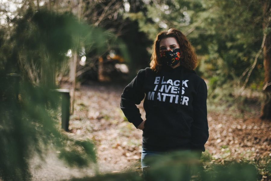 Coordinator+of+Environmental+Affairs+for+Associate+Students+of+Oregon+State+University+and+fourth-year+Public+Policy+Major%2C+Grace+Doleshel%2C+poses+in+a+Black+Lives+Matter+shirt.+ASOSU+recently+released+a+statement+regarding+Black+Lives+Matter+titled+WAKE+UP.+SPEAK+UP.+WE+NEED+TO+BE+BETTER.