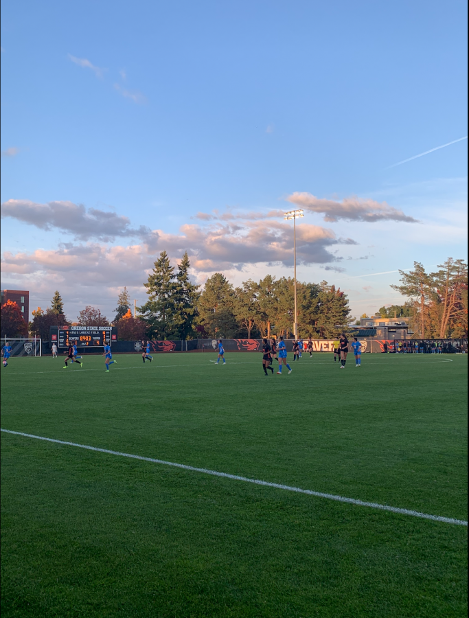 The Oregon State womens soccer team taking on the UCLA Bruins at Paul Lorenz Field on Oct. 15. The Beavers would lose the game by a score of 4-1.